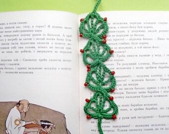 Crochet Pattern PDF.Green Christmas tree bookmark. Tree in the book, crochet pattern Crocheting