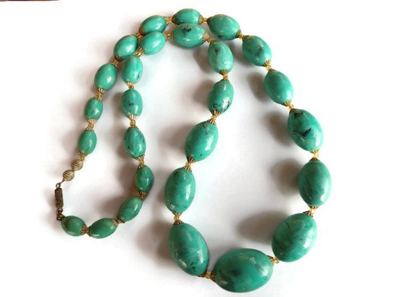 chunky bead necklace jewelry green beaded plastic necklace