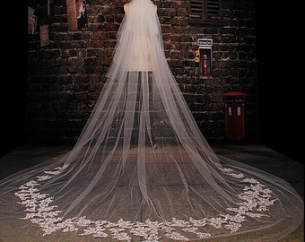 Long Veil Lace Veil in handmade Cathedral veil luxury wedding veil Bridal veil two tiers veil with comb ivory veil in vintage 3.5meter