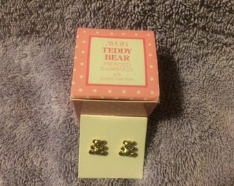 Vintage Avon Teddy Bear Pierced Earrings with surgical steel posts 1978 New in Box