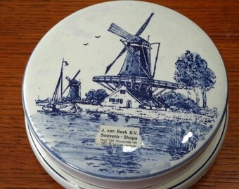 Vintage Blue Delft Porcelain Trinket Box