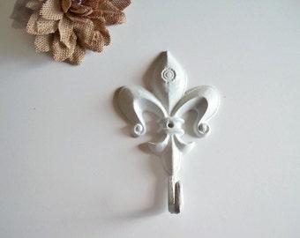 Fleur de lis / Cast Iron Hook / Shabby Chic  Decor / Bathroom Hook / Towel Hook / Country Decor / Key Rack