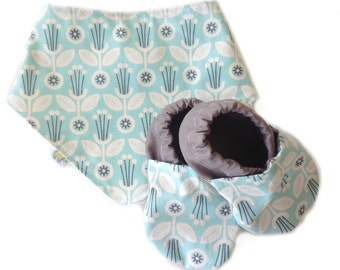 Scandinavian Floral Baby Shoes and Bandanna Gift Set
