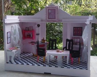 "Miniature ""Pink Pop Art Kitchen"""