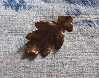 Vintage copper/gilt oak leaf brooch