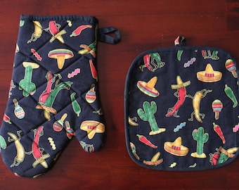 Set of Oven Glove and Matching Pot Holder