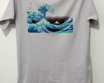 The Wave T shirt - Reproduction of Hokusai's The Great Wave off Kanagawa