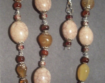Here Pretty Brown Stone Necklace with Bracelet to Match