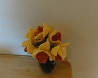 Knitted Daffodil Bouquet
