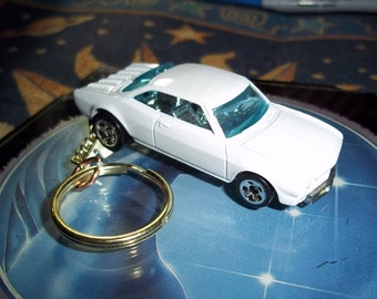 custom made keychain 1965 chevy corvair coupe,gloss white w/chrome mags/repaint-mint