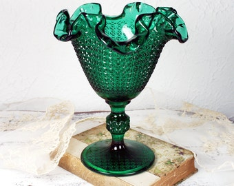 Exquisite Emerald Green Glass Diamond Point Ruffle Edge Compote/Parfait Candy Dish