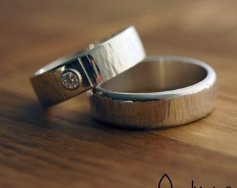 Wedding rings - friendship rings - hammered stripe - diamond