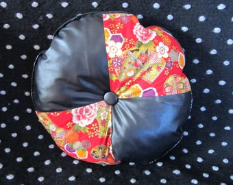 Round cushion to Flowering and leather Wedges (smallest model-red)