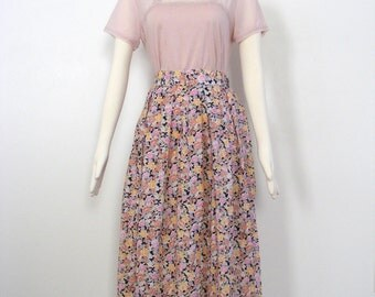 Vintage 1980s Floral Highwaisted Skirt - 1980s Clothing - Midi Skirt - Vintage Skirt - Floral - Highwaisted - Floral Fabric - 80s clothing