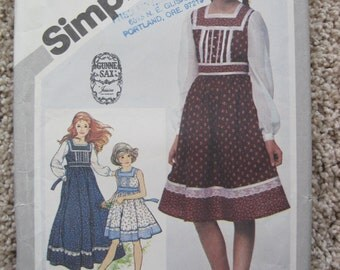 UNCUT Girls Dress in Two Lengths - Size 7 - Simplicity 5119 - Vintage 1981