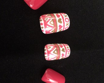 Tribal Valentines Day False Nail Set