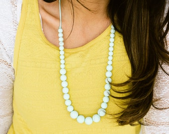SALE Teething Necklace Silicone Nursing Necklace Erin - Sweet Mint