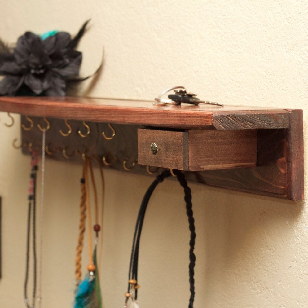belle tag re en bois bijoux porte bijoux bois organisateur. Black Bedroom Furniture Sets. Home Design Ideas