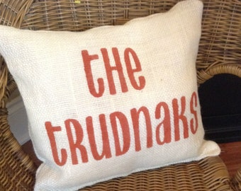 Burlap Personalized Pillow with Family Name, Personalized Pillow, Custom Throw Pillow, Family Name Pillow