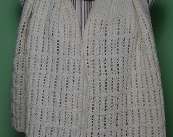 Cream knitted scarf with perforated side panels