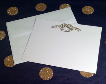 Nautical Correspondence Cards/Note Cards and Envelopes with Seahorse, Shell, Starfish and Rope Design - Gold and White - Set of 8