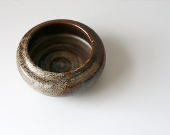 vintage 1970s pottery / hand thrown bowl