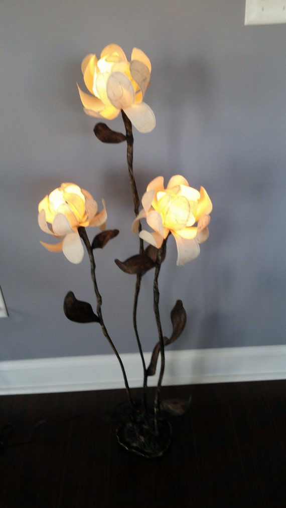 Floor lamp with 3 large flower globes for Large flower floor lamp