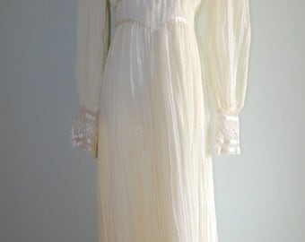 Vintage 1970's Gunne Sax Wedding Gown