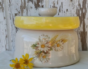 Vintage Yellow and White Daisy and Wheat Canister