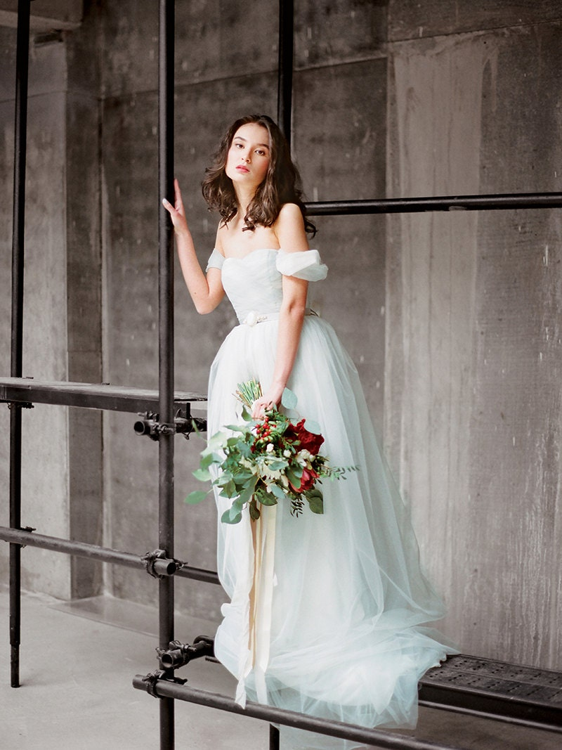 flowy wedding dress flowy wedding dresses Blue grey off the shoulder wedding dress Arsenia Bohemian bridal gown Flowy tulle lowback wedding dress Colored tulle dress Milamira