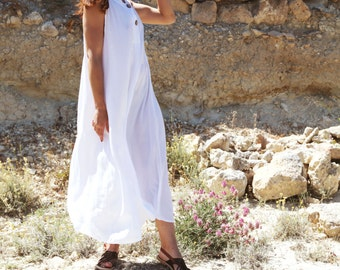 50 % OFF *** Minimal Lagenlook mid-calf dress white viscose,one size.
