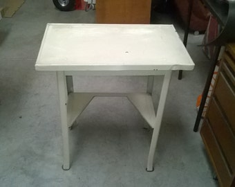 Workshop metal table