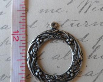 Leaves Berries Porthole Settings Oxidized Silver 27mm