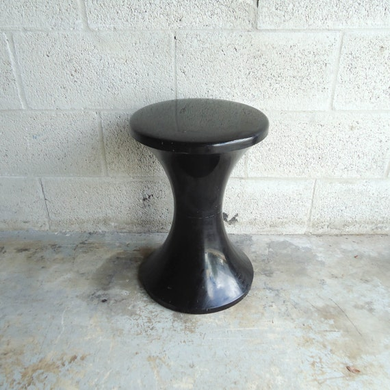 Mid century modern black plastic stool tam tam by henri - Kruk tam tam henry massonnet ...