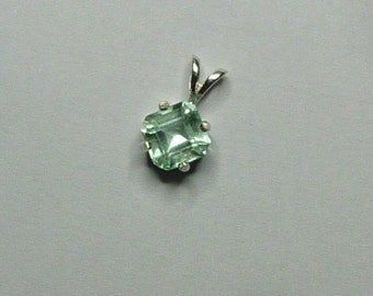 7mm x 7mm square cut 2 ct Colombian emerald sterling silver pendant with sterling baby box chain