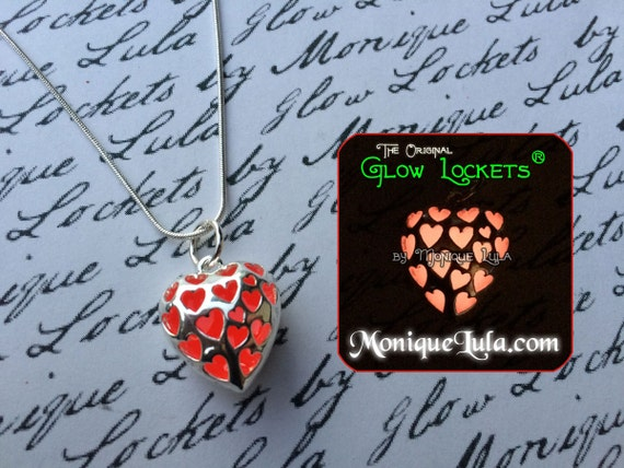 Glowing Red Love Spell Heart Necklace Free UV Light Charger