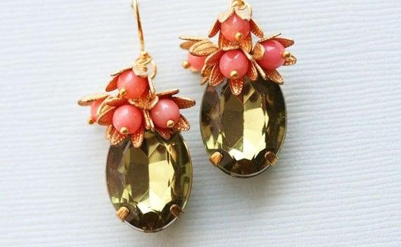 Green and Coral  Drop Earrings Cluster Earrings, Vintage Glass Earring, Coral And Green Earrings