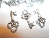 Small Skeleton Key Charm Pendant 2 Sided Silver Tone For Jewelry Supplies Findings 19mm 24 Pieces