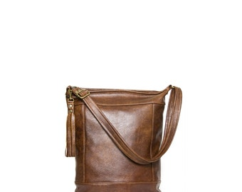 Bucket Bag in Chestnut Brown Leather - Crossbody Bag - Zipper Closure - Leather Tassel - Everyday Bag - Jenny N. Design - Made to Order
