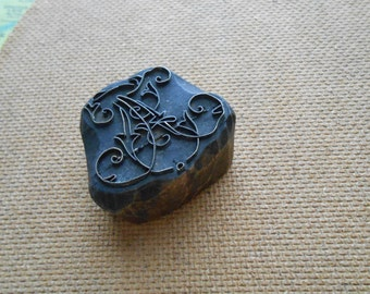 antique french victorian embroidery stamp - monogram a fancy cursive script