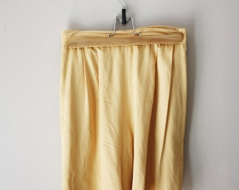 Vintage 80s Buttercup Yellow High Waisted Shorts M
