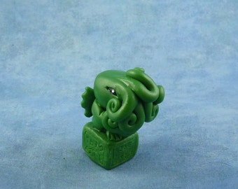 Green Cthulhu Figure with Base - Original Horror Sculpture Inspired by H.P. Lovecraft