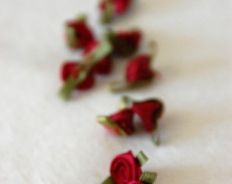 Satin ribbon rosebuds SMALL in wine red - packs of 10pc