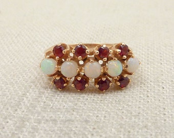 Size 6 Vintage Opal and Garnet 14K Gold Ring