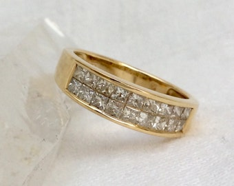 Diamond & 14k Gold Wedding Band