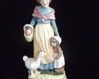 "Lefton 8"" Grandmother & Granddaughter Goose Hand-painted Figurine 2572"