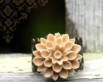 Latte Mum Ring. Beige Dahlia RIng. Bohemian. Adjustable Filigree Flower Ring. Boho Chic.