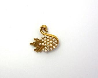 Vintage 60s Pearl Swan Brooch Gold w Faux Pearls Rhinestone Swan Pin