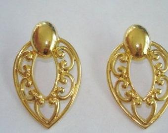 Vintage Jewelry Stud Earrings Gold Tone