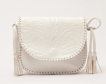 Piñata White. Tooled Leather purse